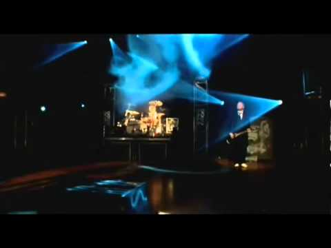 Skillet - Whispers in the dark (Comatose Comes Alive DVD HQ) Lyrics, Subtitulado